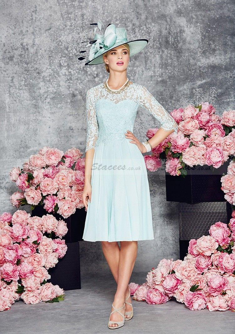 A-Line/Princess 3/4 Sleeve Scoop Neck Knee-Length Chiffon Mother Of The Bride Dress With Appliqued