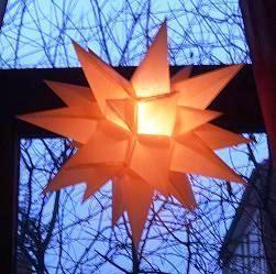 Stern im Stil der Herrnhuter Sterne basteln