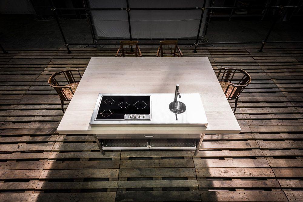 Cucine free standing: Cucina Convivio da Alpes Inox   Kitchens ...