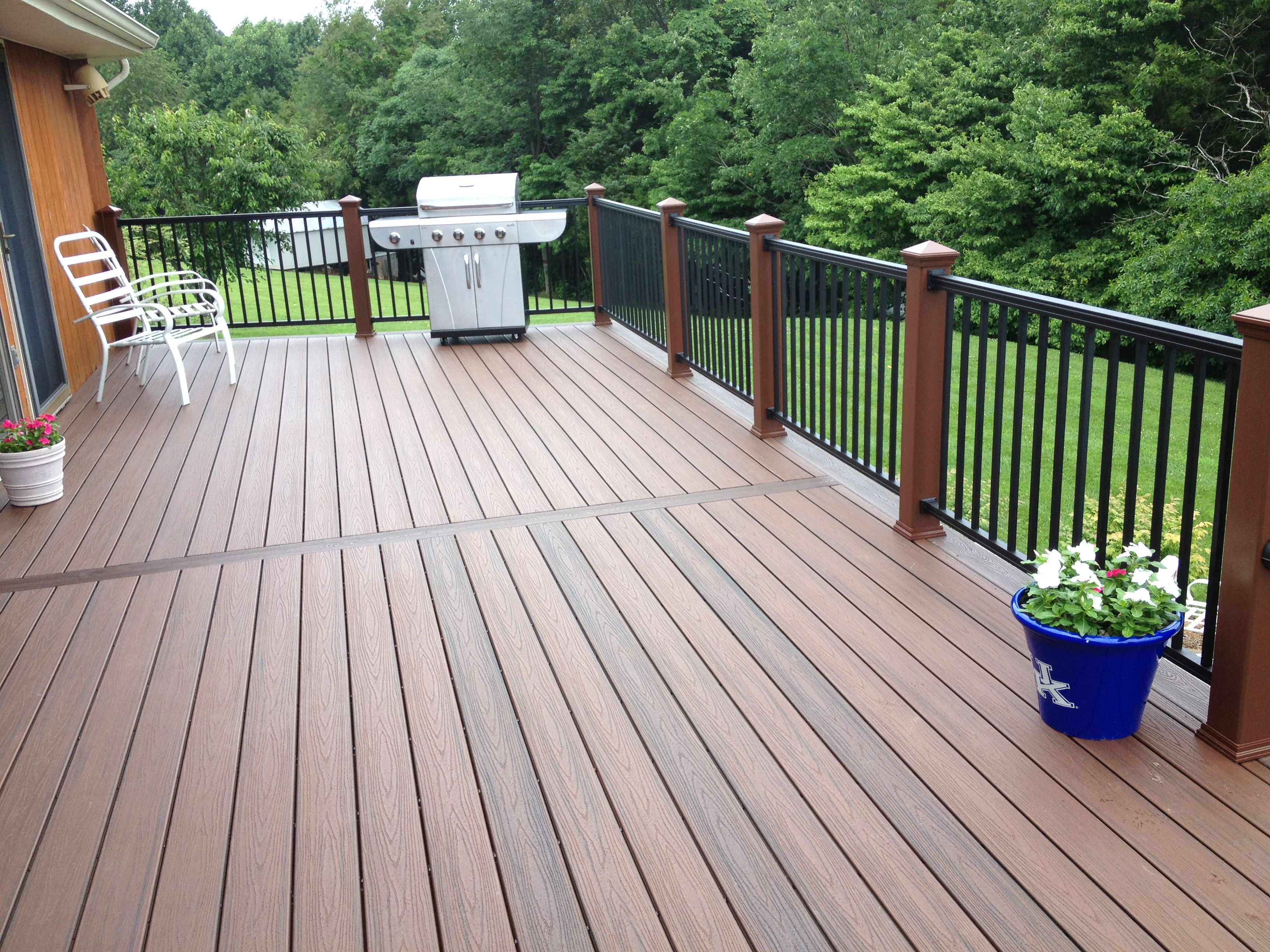 Synthetic Deck Boards The Long Deck Is Divided Into Two Sections With A Breaker Board