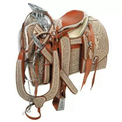 Silla de montar espuelas frenos y monturas pinterest for Monturas para caballos
