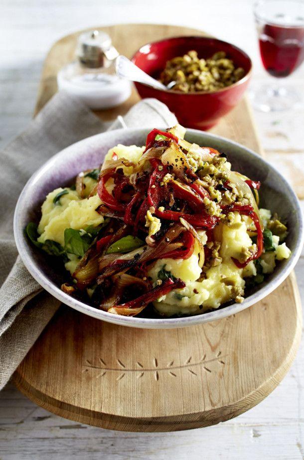Unser beliebtes Rezept für Chicorée-Paprika-Gemüse mit Kartoffelpüree und mehr als 55.000 weitere kostenlose Rezepte auf LECKER.de.