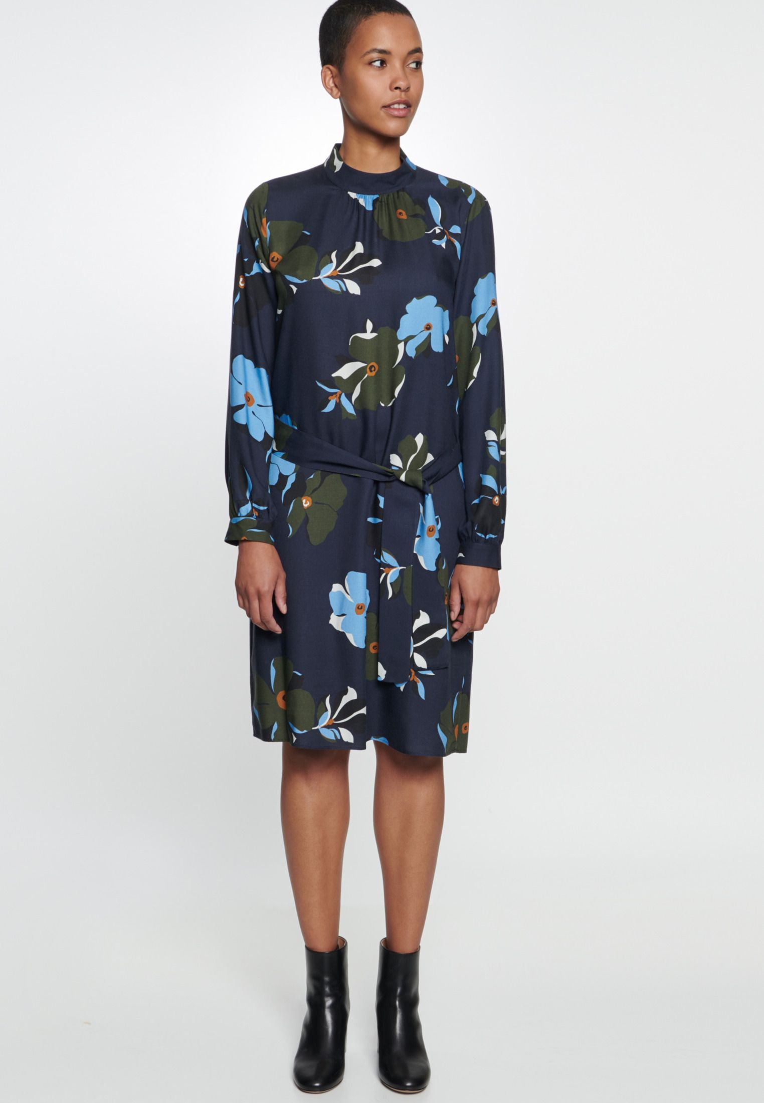 Damen Twill Midi Kleid aus 18% Viskose dunkelblau 18.18-18
