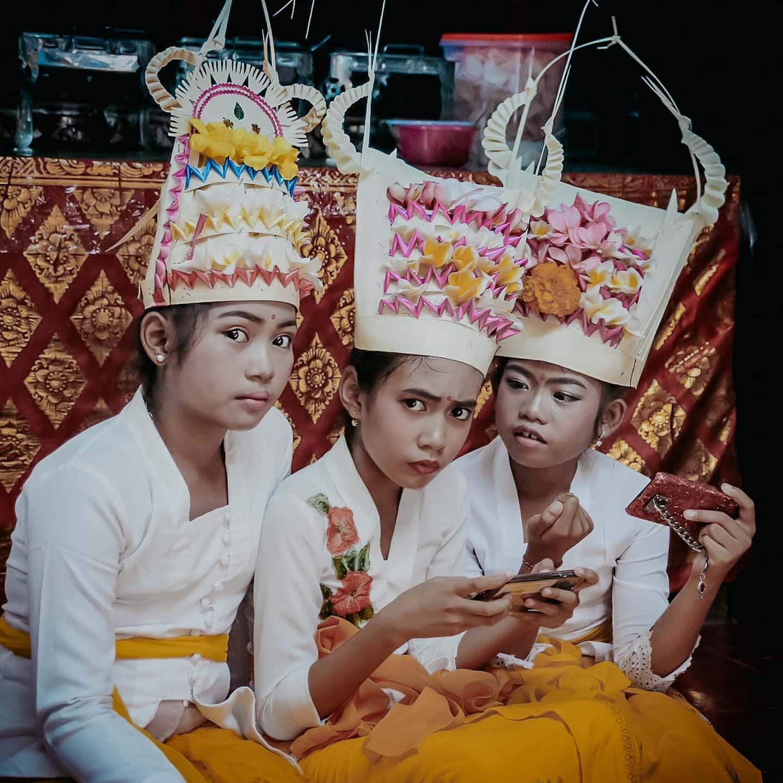 Tari Rejang adalah tarian tradisional yang diprcaya