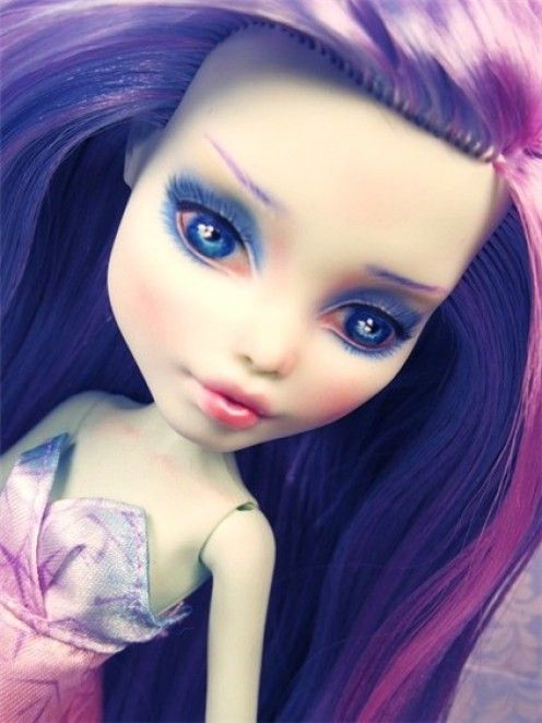 How To Repaint Monster High Dolls Monster Dolls Custom Barbie