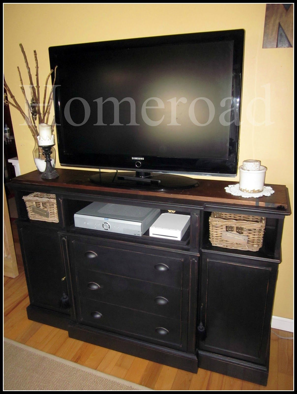 Repurposing A Hutch Into Tv Stand Www Homeroad