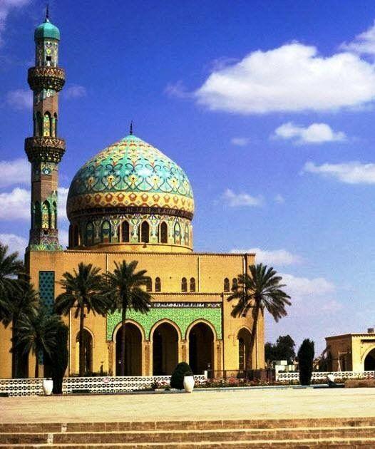 جامع 14 رمضان في الرصافة شارع السعدون وساحة الفردوس في سنة 1979 Baghdad Photo Taj Mahal