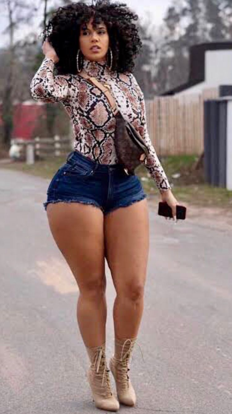 Hot girls awesome thick bodies pics Pin On Shorts
