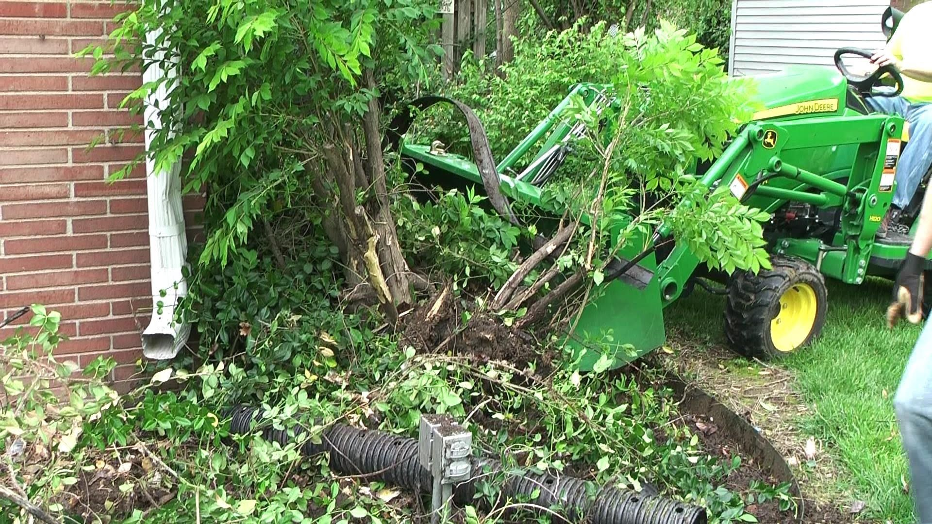 Heavy Hitch Tooth Bar on John Deere 1025r digs up bushes