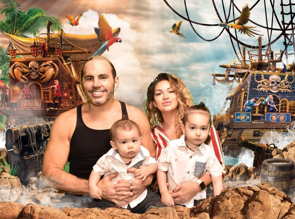 Matt Hardy & His Family (With images) | Wrestling stars ...