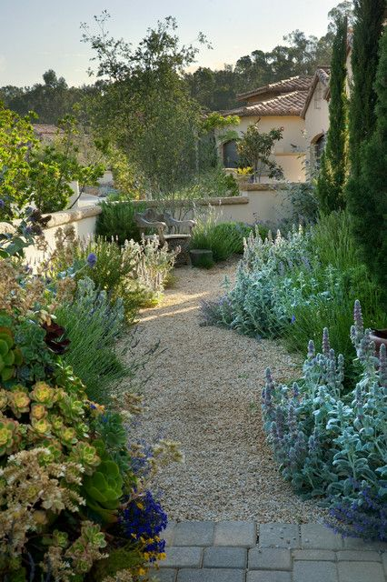 15 Fascinating Ideas Of Tuscan Gardens That Will Amaze You Outdoor Landscape Design Tuscan Garden Outdoor Landscaping