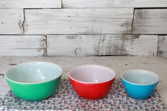 Vintage Pyrex Mixing Bowls, Green, Blue and Red 1950\'s Pyrex Bowls ...
