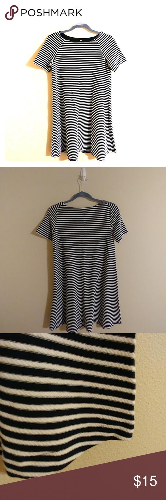 Uniqlo dress black u white stripes small euc thicker high quality