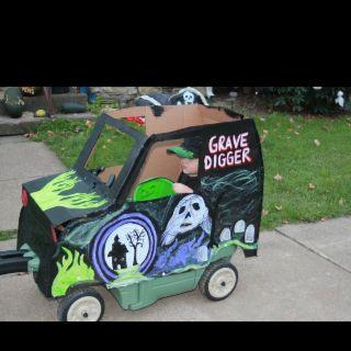 Halloween Costume: grave digger monster truck   My craft stuff ...