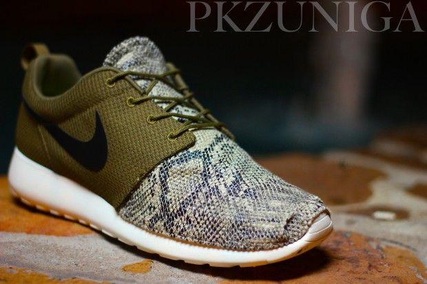 nike shoes roshe run snakeskin fabric