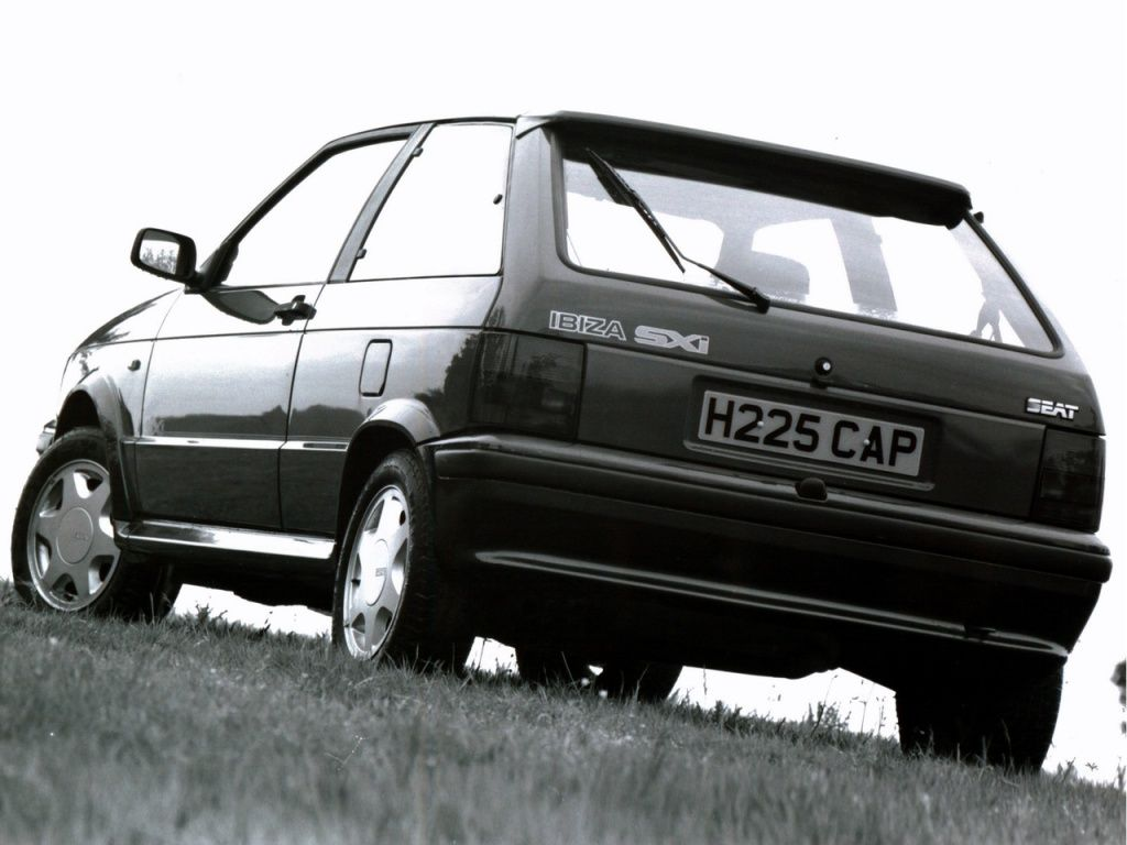 Seat Ibiza 1 5 Sxi 1988 91 Ibiza Seating Outdoor Chaise