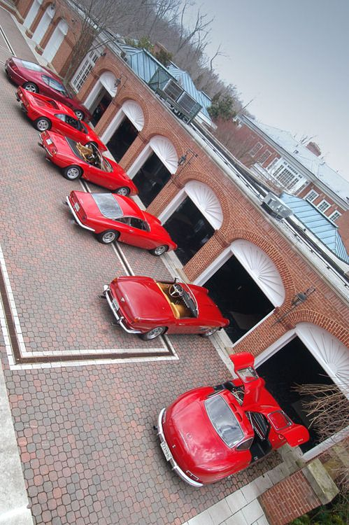 A Lineup Of Classic Ferraris With A Mercedes Benz Gullwing To Finish It Off Not Bad Luxury Garage Dream Garage Fancy Cars