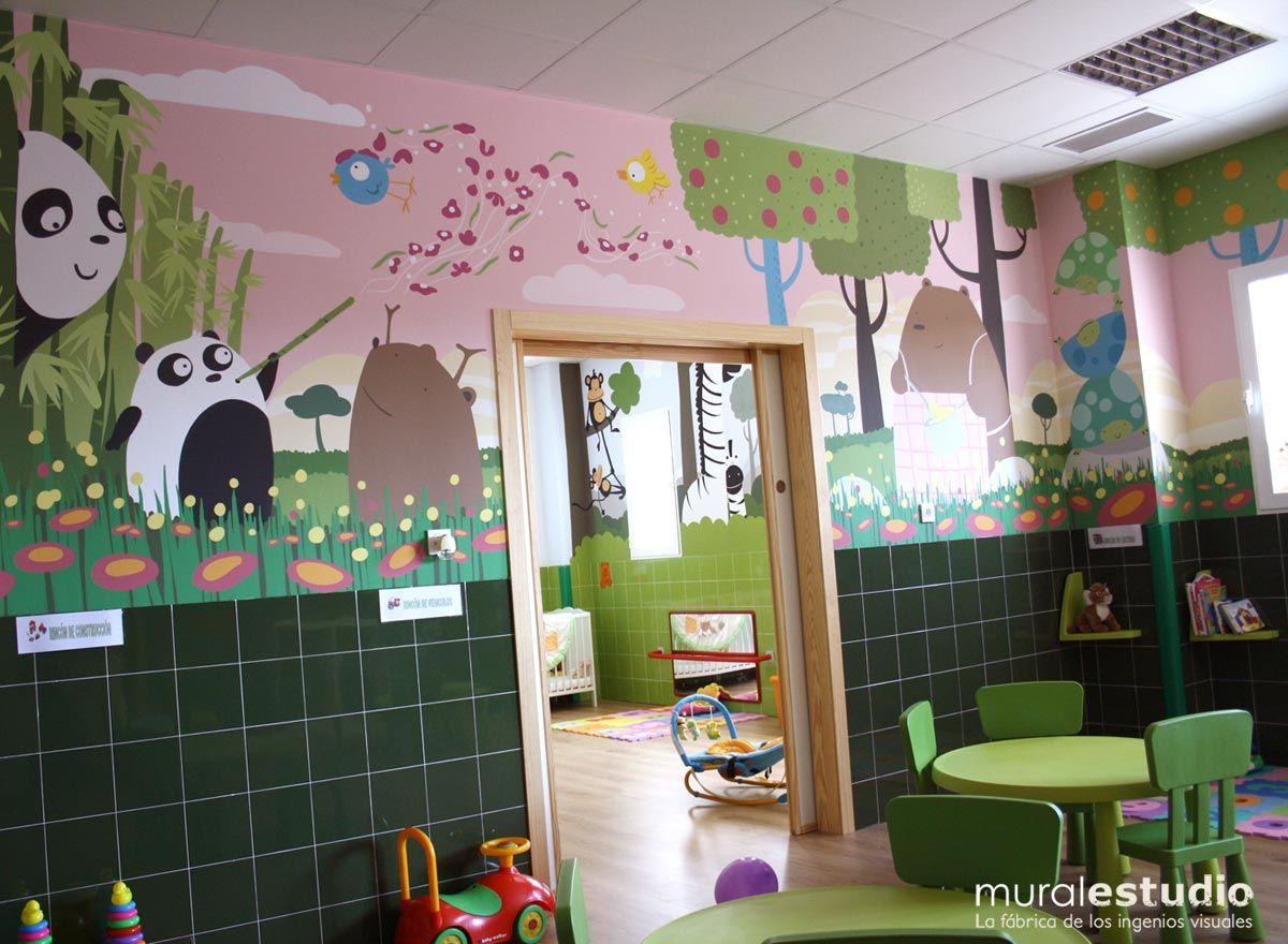 Zorros pintados en un mural infantil murales para for Decoracion aula infantil