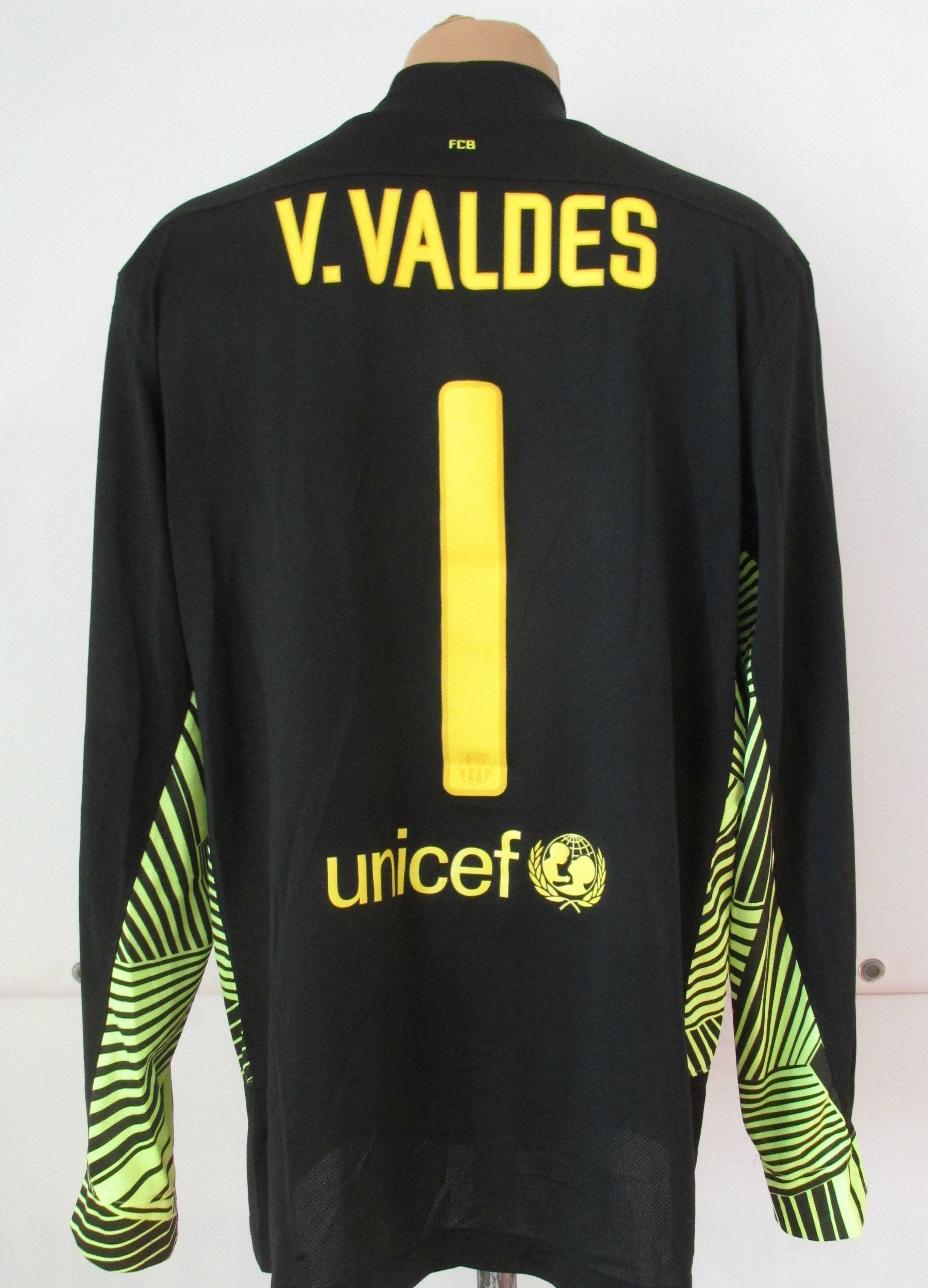 8038d4acc26 Barcelona 2011 2012 goalkeeper football shirt Victor Valdes by Nike FCB  Barca camiseta Spain longsleeves soccer jersey black  FCB  fcbarcelona   barcelona ...