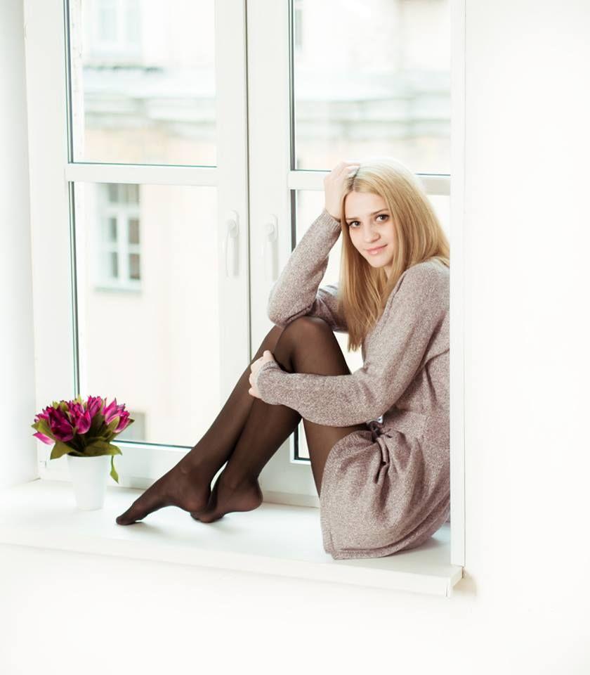 Girls pantyhose facebook in Russian