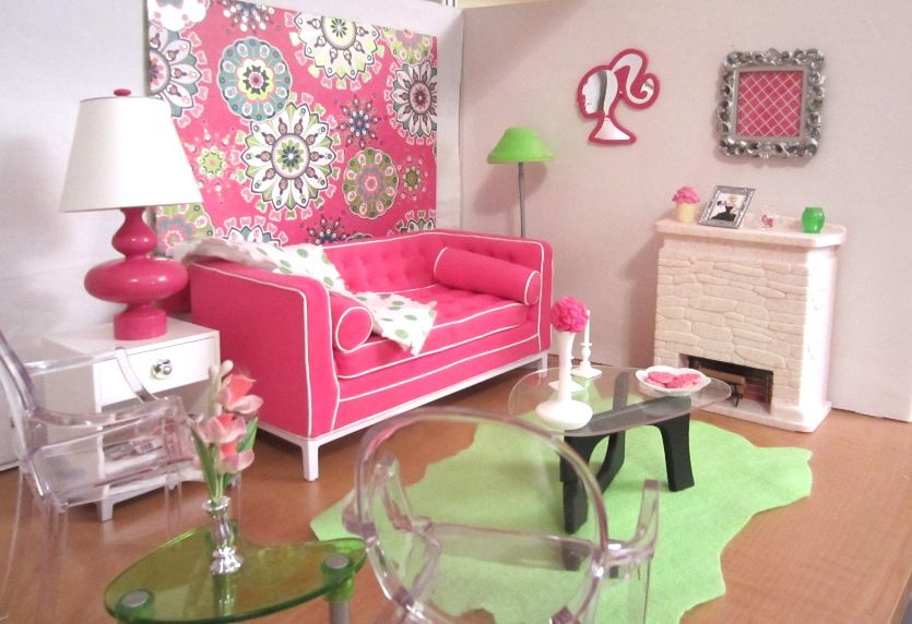 Barbie S Living Room With The Adler Sofa In Pink And Green Diorama