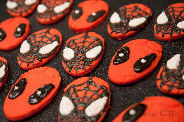 Spidey And Deadpool Cookies With Images Deadpool Party