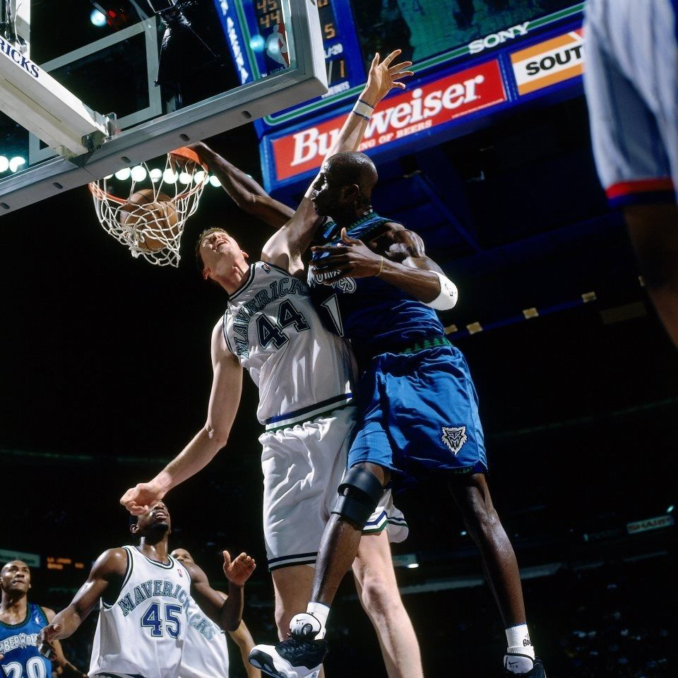 Kevin Garnett Minnesota Timberwolves Dunk Over Shawn Bradley
