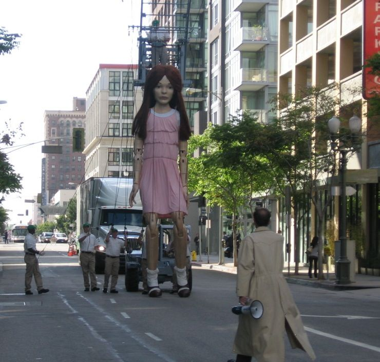 """""""Audrey"""", the 20 ft Marionette in the Mayflower Moving Co. Commercial"""