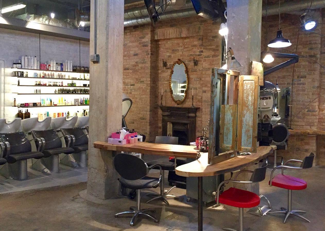 Parrucchiere Bar - Cerca Google Barbershop Room Home Decor Barber