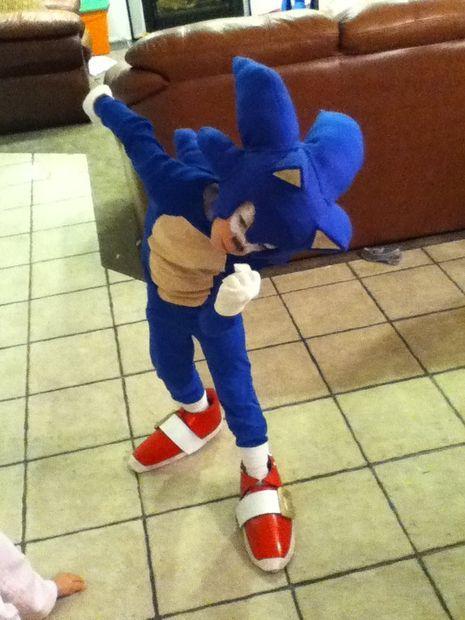 Sonic Costume Sonic Costume Sonic The Hedgehog Costume Diy Costumes Kids
