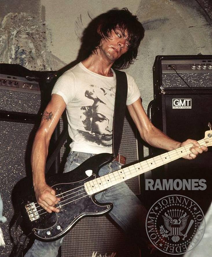 Pin by Corinne Aviad on -DeeDee- | Ramones, Nyc punk