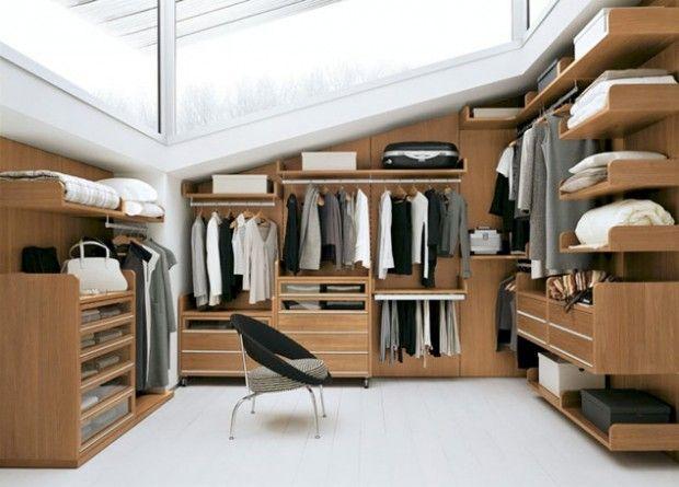 un dressing en bois sous pente dressing pinterest dressing armoire dressing et maison. Black Bedroom Furniture Sets. Home Design Ideas