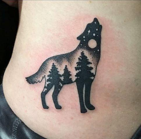 Small Wolf Women Tattoo Ideas 22 Small Wolf Women Tattoo Ideas Styleoholic Wolf Tattoos For Women Tattoos For Guys Small Wolf Tattoo