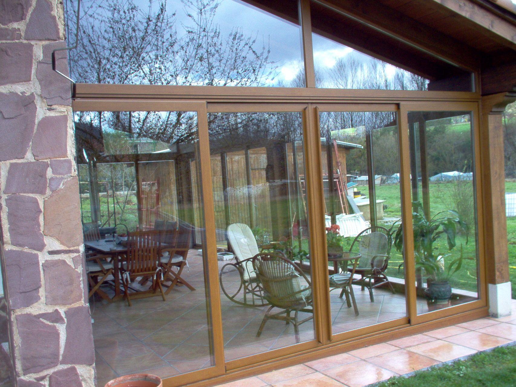 Porches de madera y aluminio con cerramientos de aluminio pvc y vidrio construccion en 2018 - Porches cerrados de aluminio ...