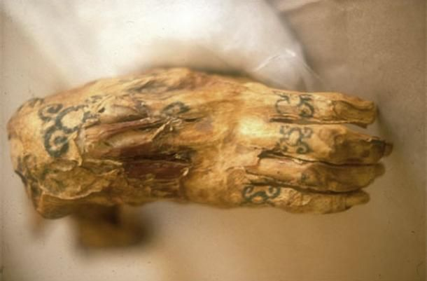 79015a7bd3d The Tattooed Priestesses of Hathor | history | Egypt mummy ...