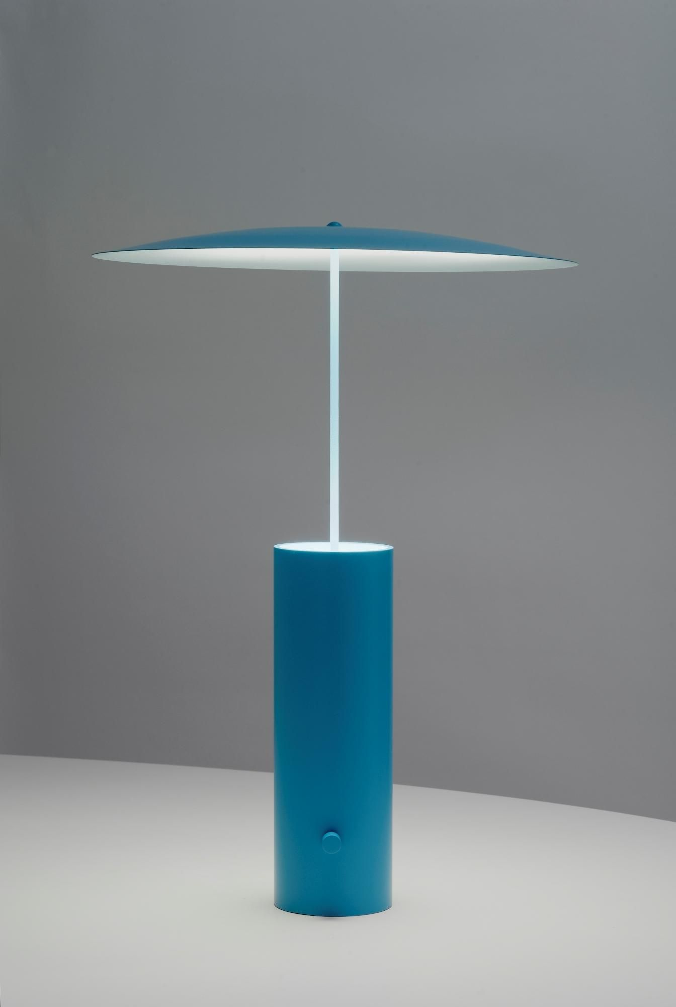 Verlichting Voor Parasol The Parasol Lamp By Jonas Forsman Uses Reflected Light Softer