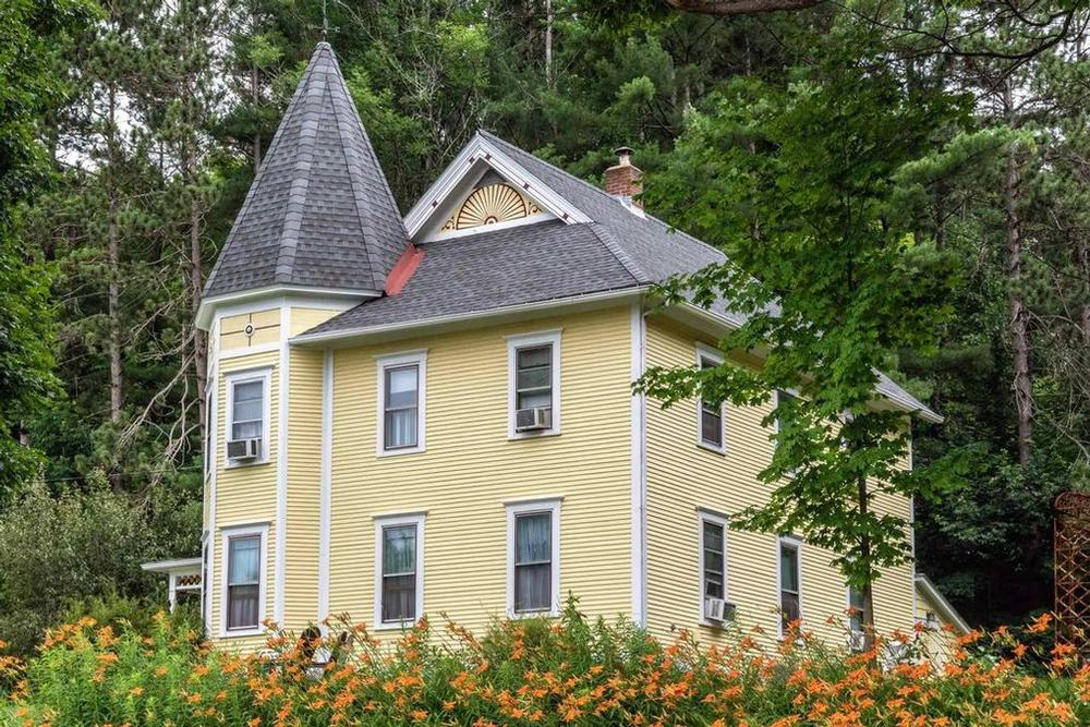 1854 Victorian For Sale in Richmond, Vermont OldHouses