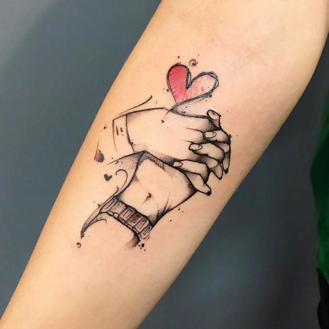 Tattoo By At Caiocoelhotattoo Los Tatuajes De Manos Unidas Son