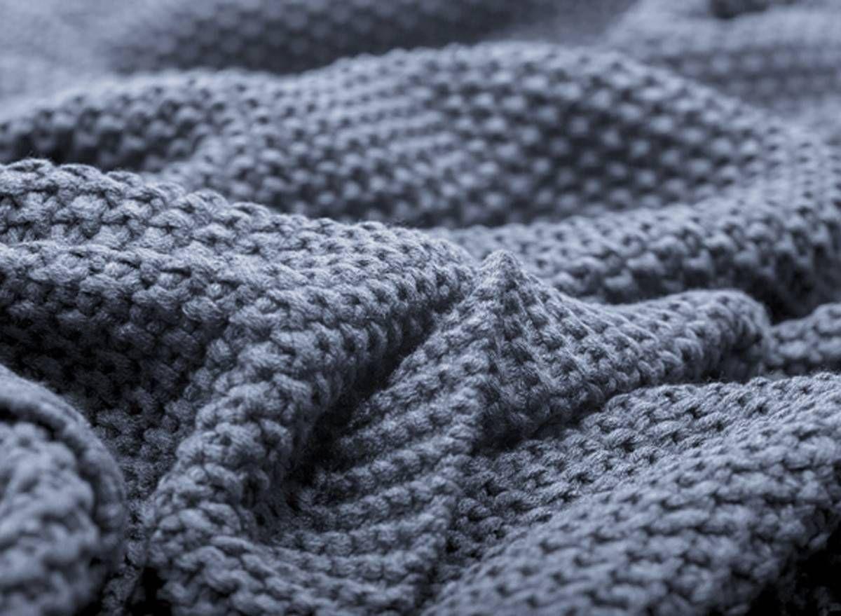 Wohndecke Warm Shades Blau Gunstig Online Kaufen Im Mobelshop Lumizil Riesige Auswahl An Wohndecken Schneller Versand Jetzt Entdecke Wohndecke Decke Wohnen
