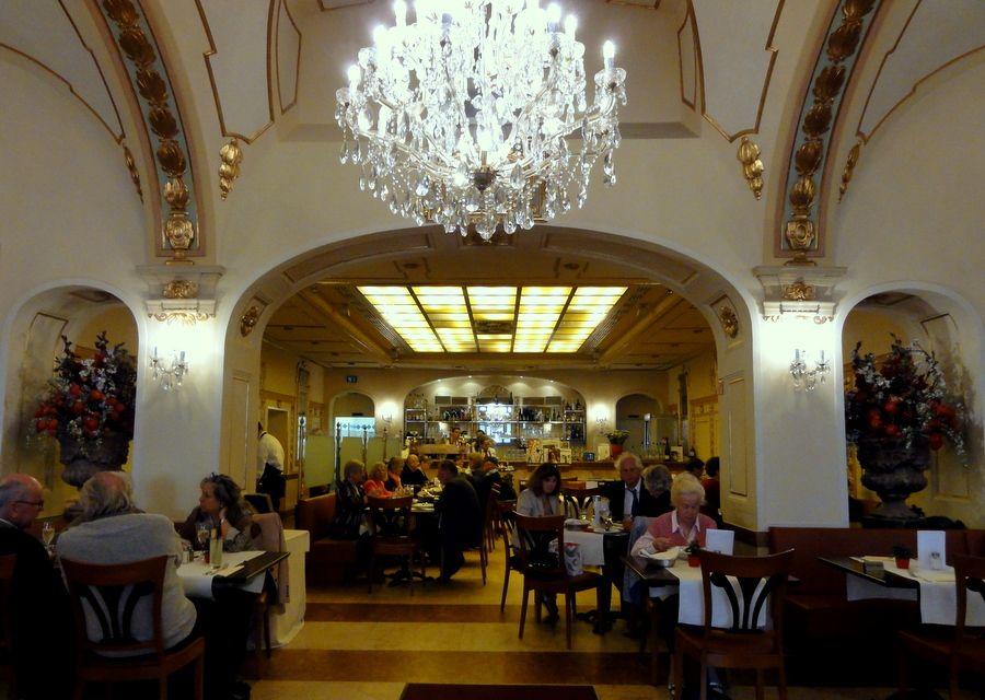 Schubecks Orlando Cafe Restaurant in Munich