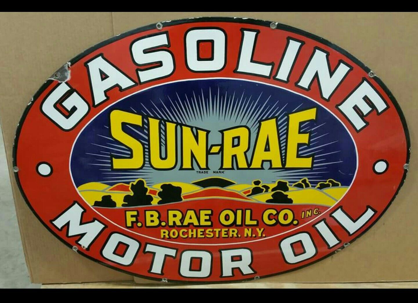 Beautiful Sun Rae Gasoline Motor Oil Porcelain Sign Porcelain