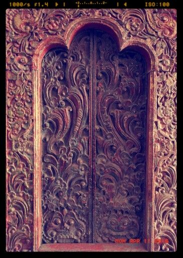 Antique Balinese Shrine Door Only 22 Inches High But Old And Gorgeous I Love All These Old Doors Bali Templeart Ubudantique Old Doors Temple Art Antiques