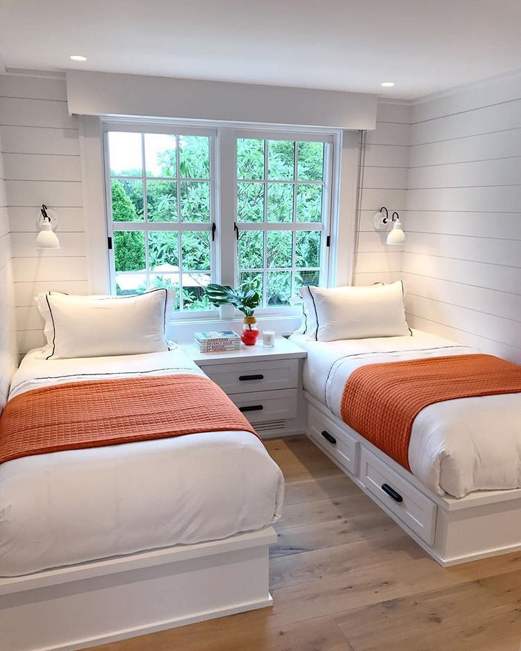 Splash Of Colour In White Rooms Love Batorrey Shiplap Guestroom Interiors Interiordesign Cozy Guest Small Twin Beds Room