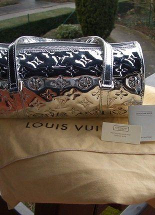 À vendre sur  vintedfrance ! http   www.vinted .fr sacs-femmes sac-a-main 28971102-louis-vuitton-papillon-miroir-argente 975f113b624