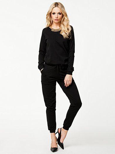 Ejola Jumpsuit - Pieces - Sort - Jumpsuit - Tøj - Kvinde - Nelly.com
