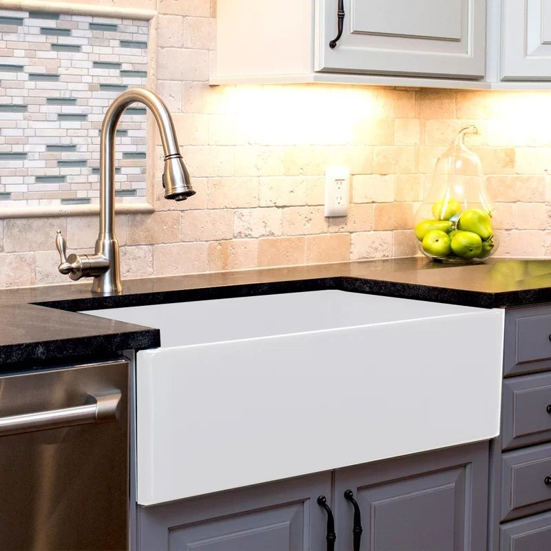 Discover The Best Farmhouse Sinks At Farmhouse Goals We Love Fireclay Farmhouse Sinks Apron Sink Kitchen Farmhouse Apron Kitchen Sinks Farmhouse Sink Kitchen
