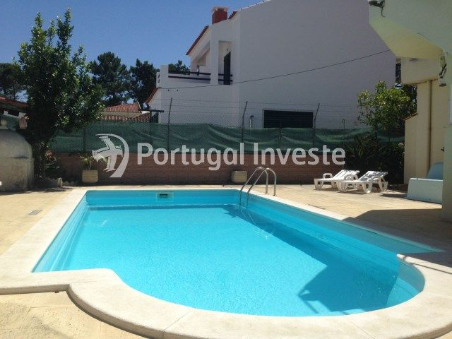 Moradia isolada térrea T3+ T2 a 2.5 km das praias, Charneca da Caparica Piscina Portugal Investe