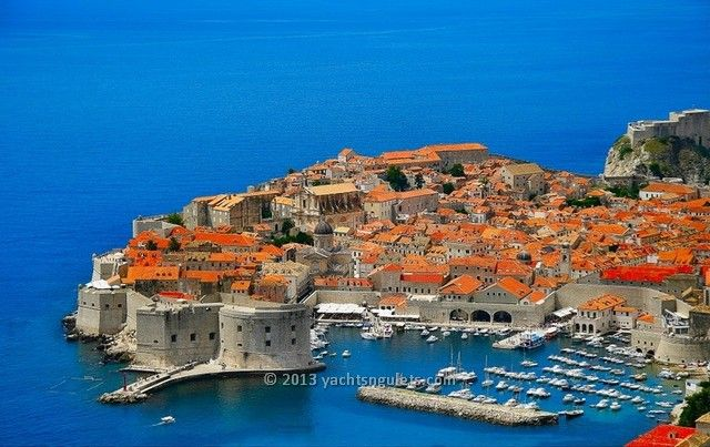 A yacht charter Croatia holiday means you have a very good choice of destinations to discover, island hopping, in the Adriatic Sea