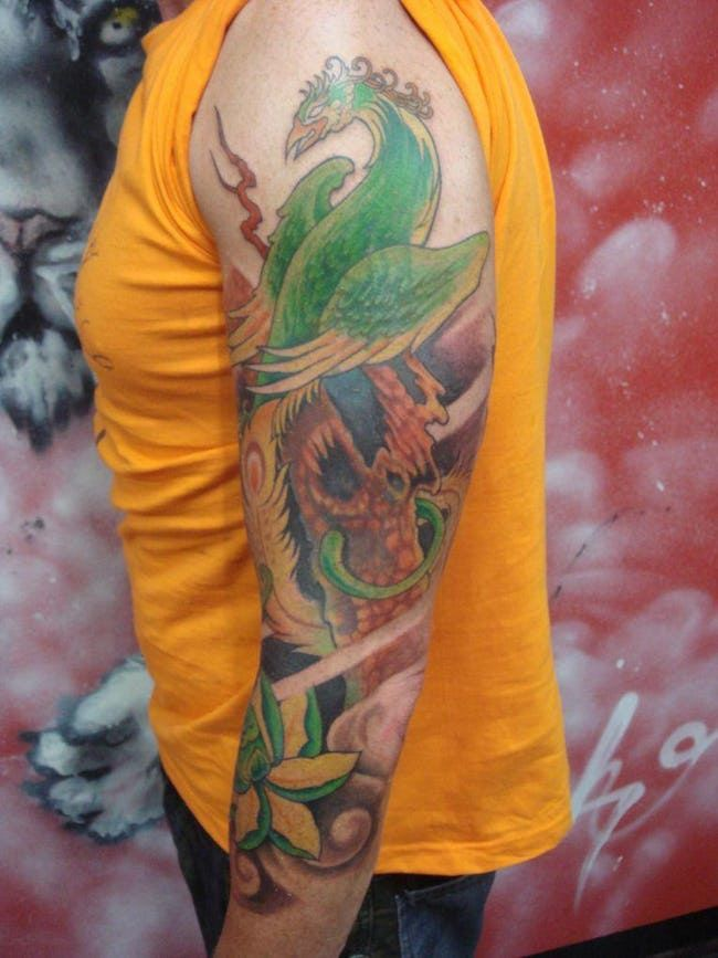 16 Yakuza Tattoos And Their Symbolic Meaning Borneo Tattoo Yakuza Tattoo Tattoo Studio