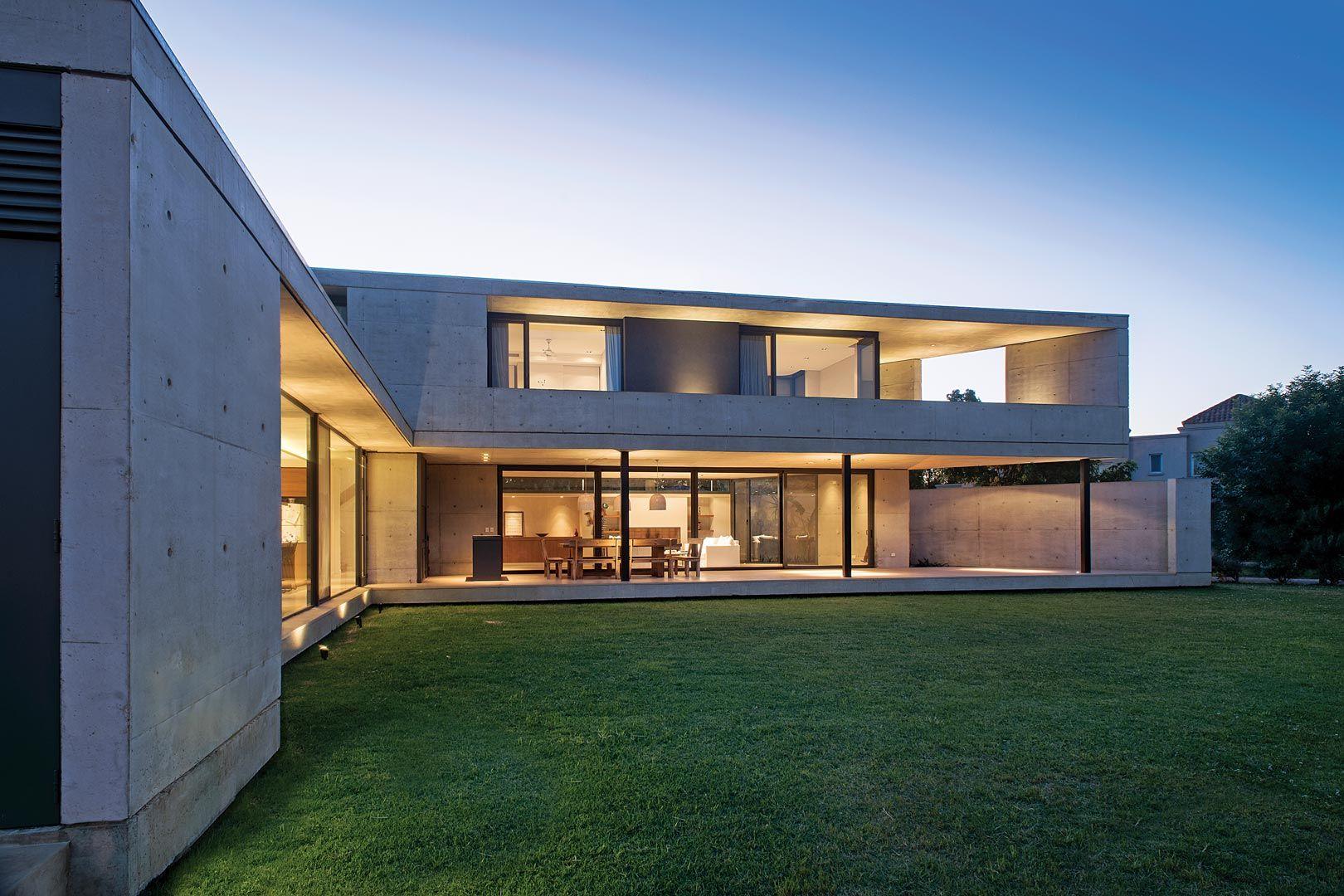 Amado cattaneo arquitectos casa chia en 2019 architecture ideas casas casas modernas y - Arquitectos casas modernas ...